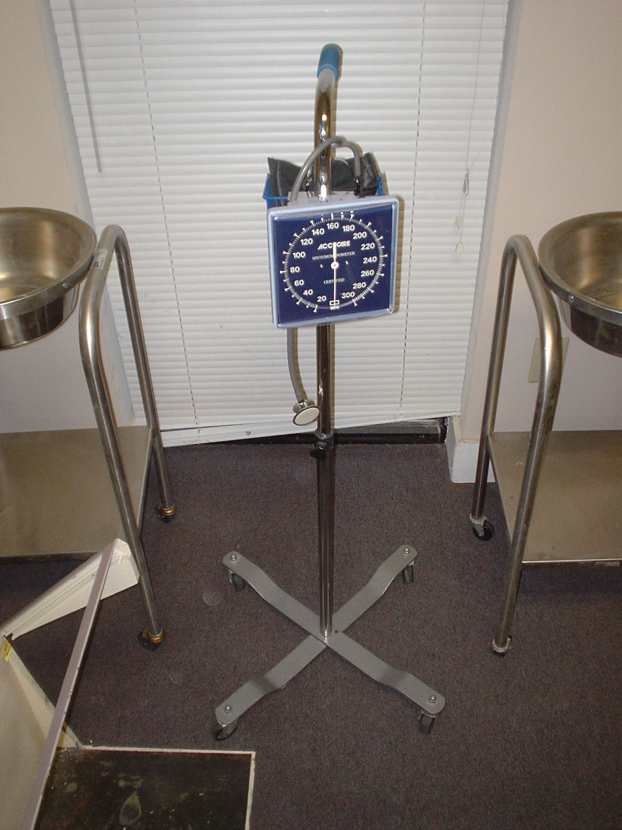 Accucare Blood Pressure Unit Medical Equipment For Sale